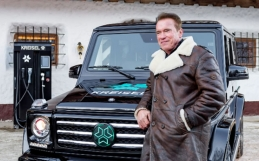 Arnold Schwarzenegger's buys New Electric G Wagon